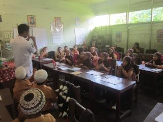Kunjungan Petugas Puskesmas ke MI Al Raudlah