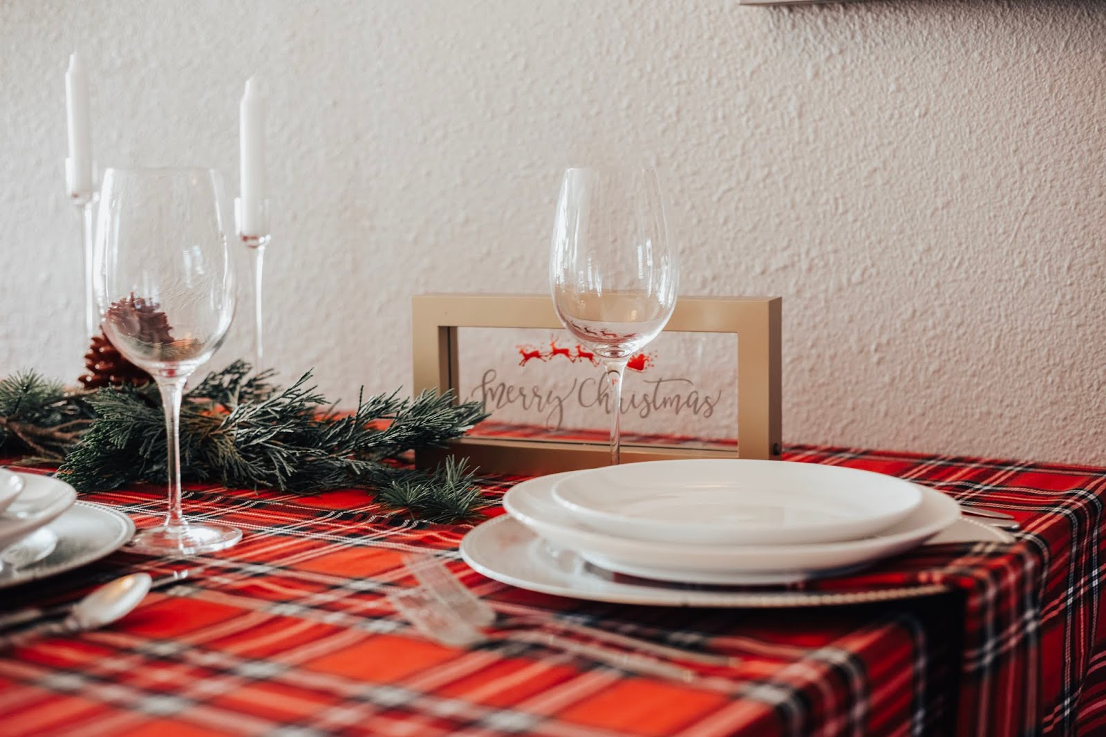 Christmas Red Plaid Tablescape