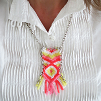 http://www.ohohdeco.com/2015/06/diy-friendship-necklace.html