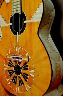 kerajinan tangan dari stik es krim - gitar