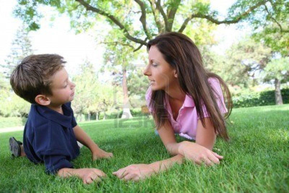madre pilla a sus hijos follando