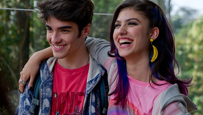 Giovanna Grigio e José Victor Pires em Eu Fico Loko - O Filme