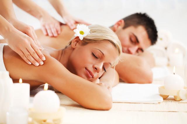 Disfrutar de un masaje relajante juntos - Foto: www.kosmetika-lymfodrenaz.cz
