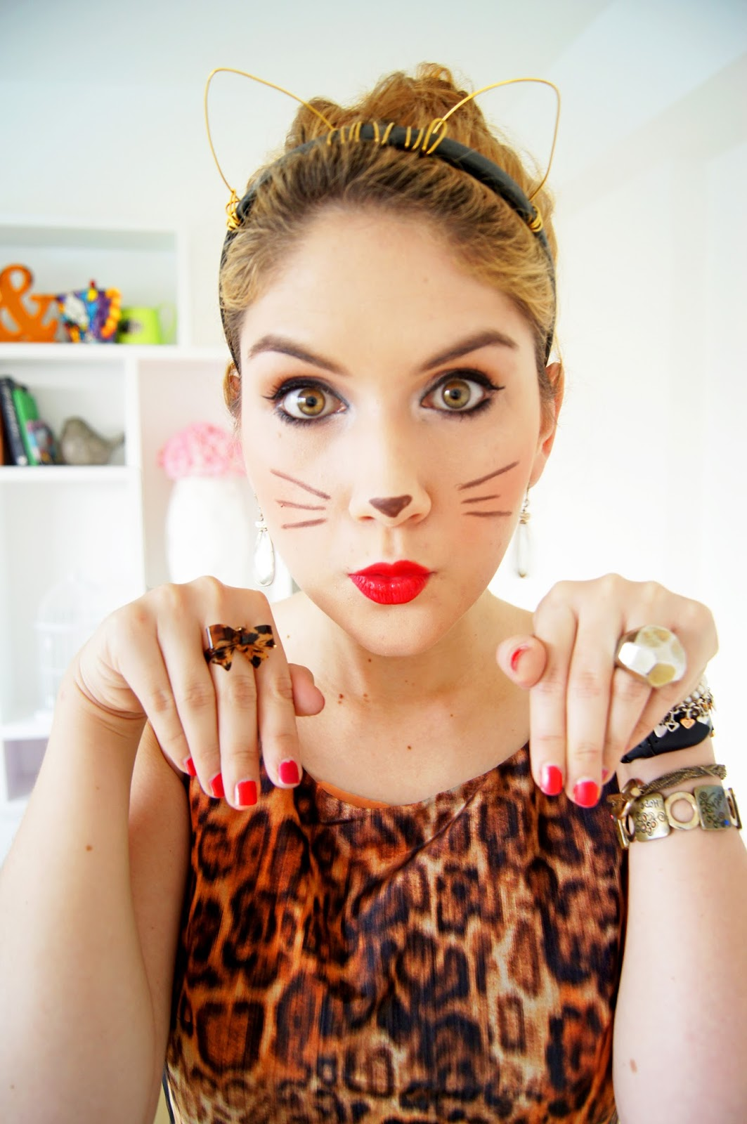 Last minute Kitty Cat Halloween costume. Click through for tutorial
