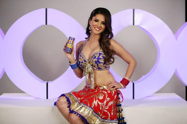 sunny-leone-drink-ad-photo