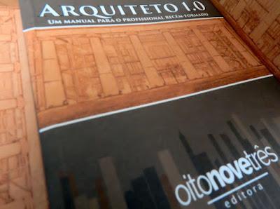 """Jean Tosetto é coautor do livro """"Arquiteto 1.0 - Um manual para o profissional recém-formado"""" - disponível em vivalendo.com"""