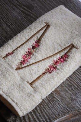 Lodijoella for Apliques para toallas
