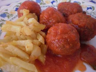 Como preparar albondigas con tomate frito