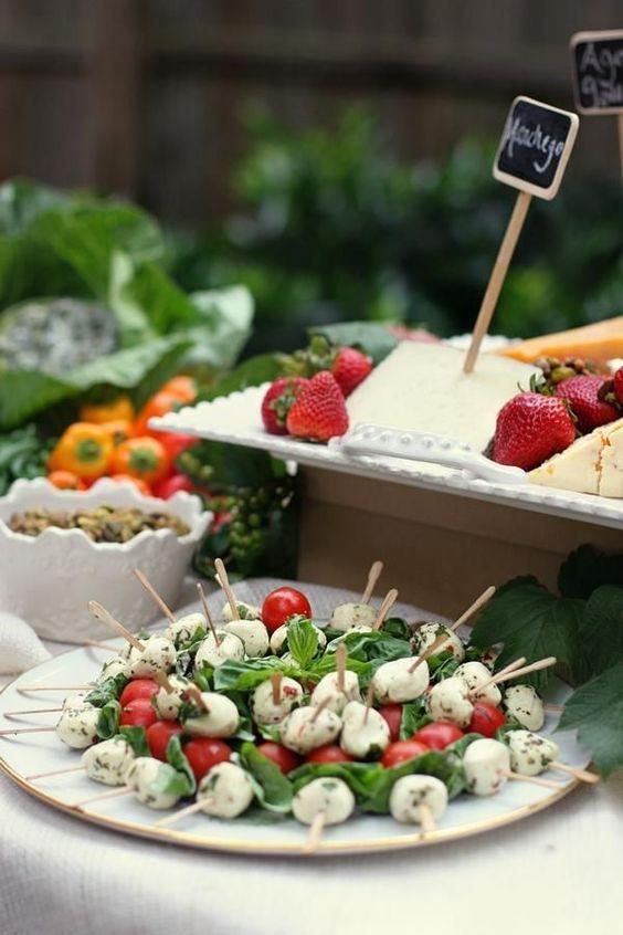 Letnie menu weselne, Menu weselne, Menu na wesele latem, Letnie menu, Ślub i wesele latem, Wesele w lecie, Wesele w ogrodzie, Lemoniada na wesele, piwo na wesele, catering na wesele latem, grill na weselu,
