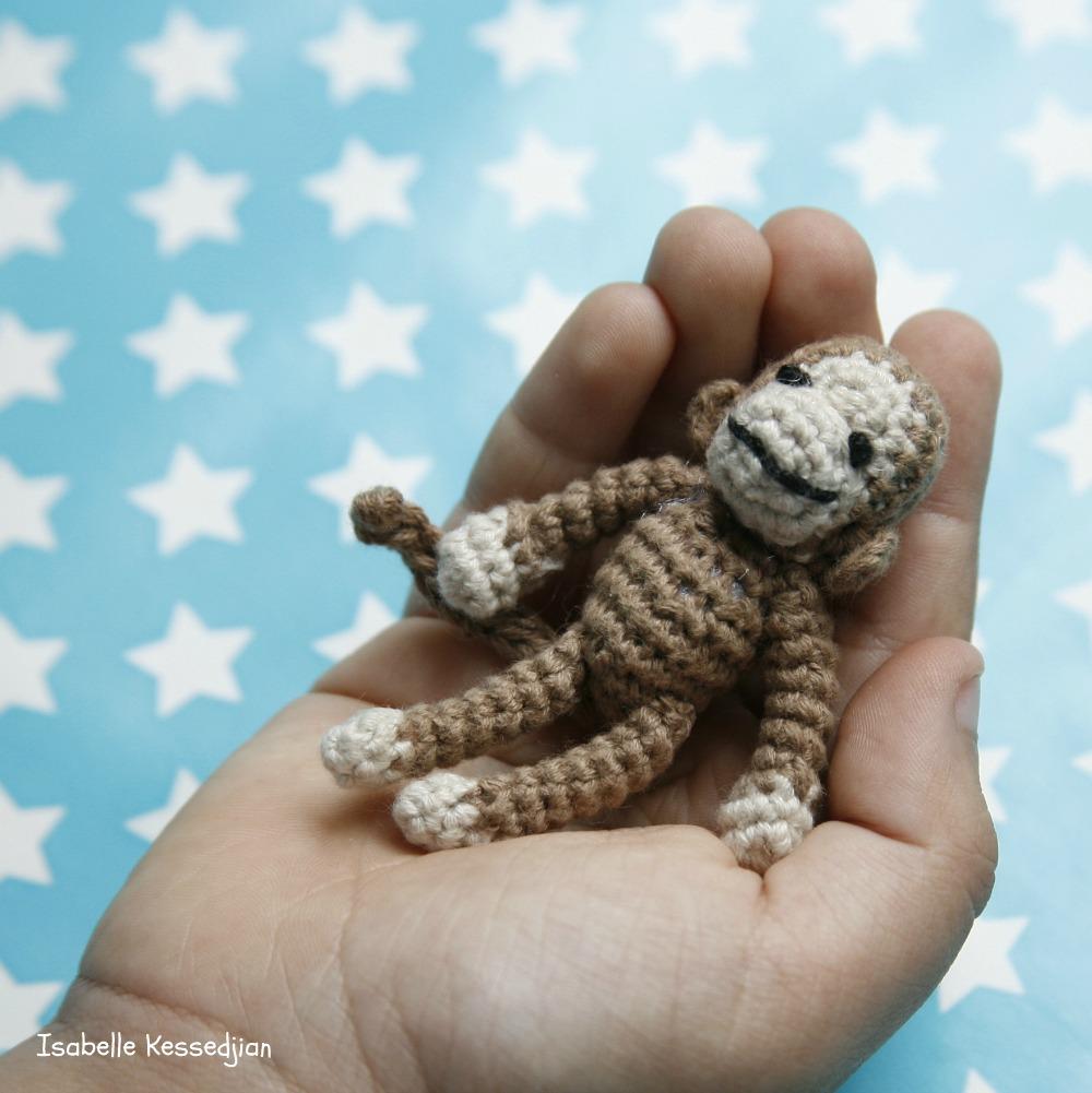 isabelle kessedjian un tout petit singe au crochet pour les sc n 126. Black Bedroom Furniture Sets. Home Design Ideas