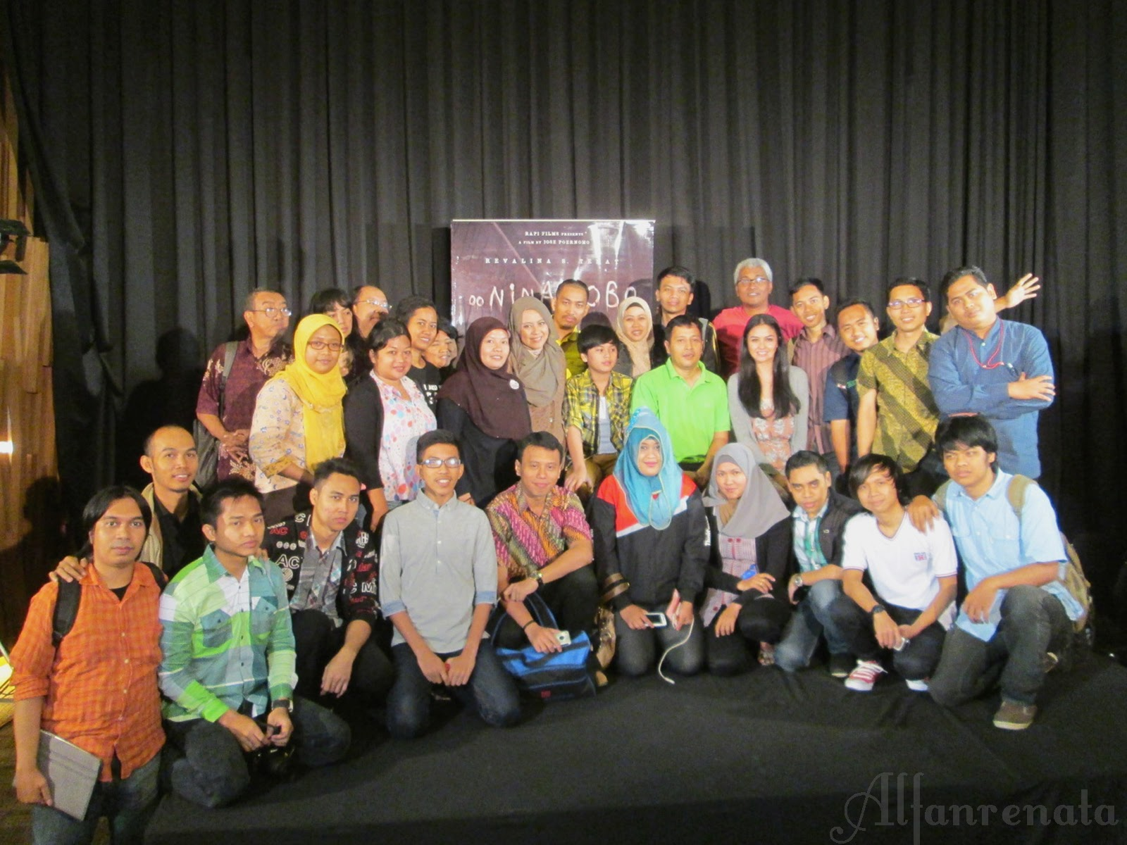 Foto bersama blogger dan artis oo..nina bobo