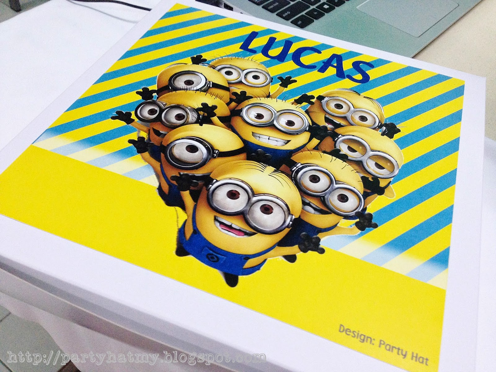 Party hat minions birthday party for lucas for Baby full moon party decoration