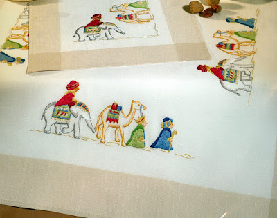 THREE-MAGI-Wise-Men-TABLE-TOPPER-Embroidery-KIT