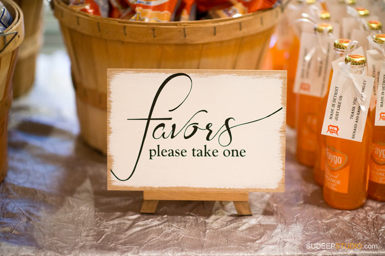 DIY Wedding Favors - Wedding Photography SudeepStudio.com
