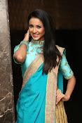 Priyashri sizzling at Majnu audio-thumbnail-8