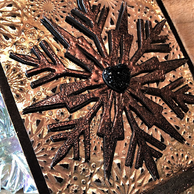 Mixed Media Techniques Tutorial by Sara Emily Barker for The Funkie Junkie Boutique https://frillyandfunkie.blogspot.com/2019/01/saturday-showcase-easy-mixed-media.html Tim Holtz Sizzix Alterations Ice Flake 8