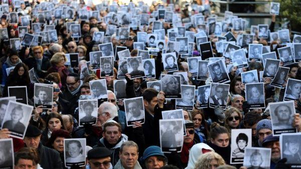 Denuncian impunidad a 23 años del ataque al centro AMIA en Argentina