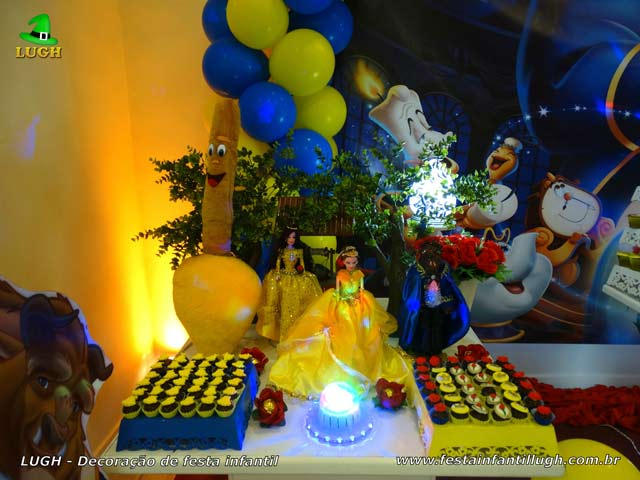 Decoração de aniversário tema A Bela e a Fera - Mesa provençal