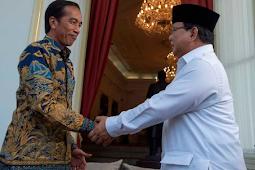 Viral di Media Sosial! Gaya Bersalaman Presiden Joko Widodo dan Prabowo Saat Jenguk SBY