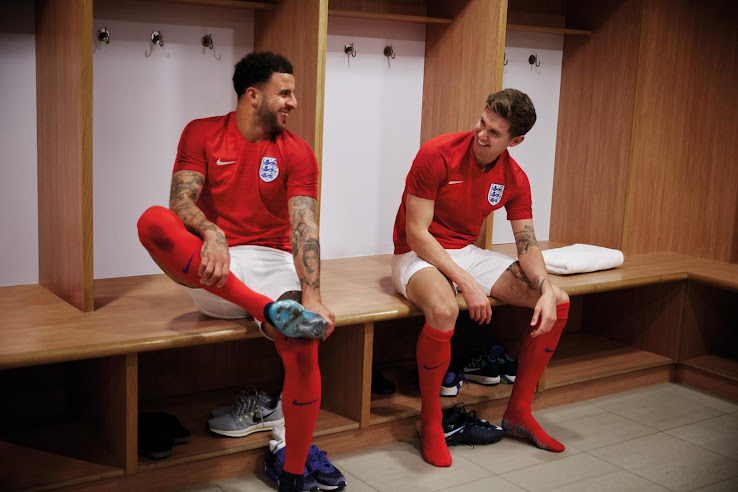 england-2018-world-cup-away-kit-1.jpg