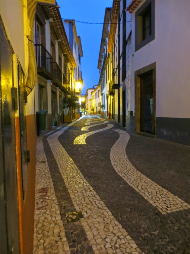 tranquility in central Rua do Bispo