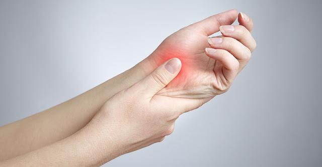 طريقة علاج ألم مفصل اليد الرسغ بالأعشاب