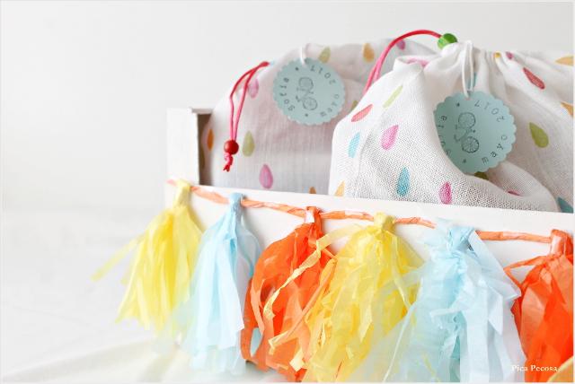 regalos-diy-ninos-invitados-comunion-bolsa-tela-juguetes-caja-fruta