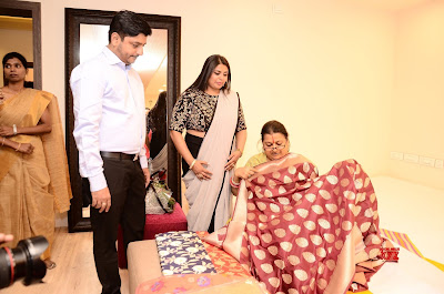 Fashion-Designer-Vinita-Pittie-Launches-Krishna-Silks-at-Hyderabad-2