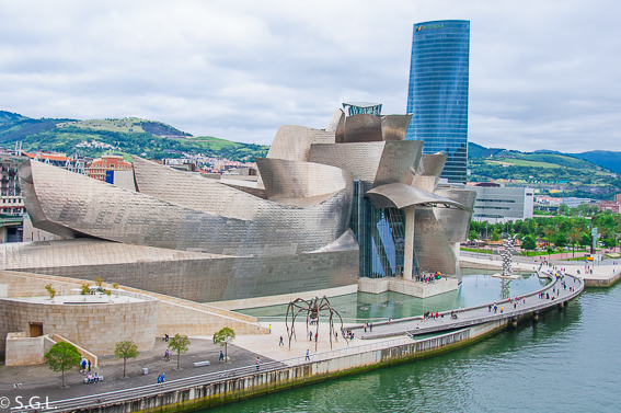 Museo Guggenheim en Bilbao. 6 rutas lowcost en coche