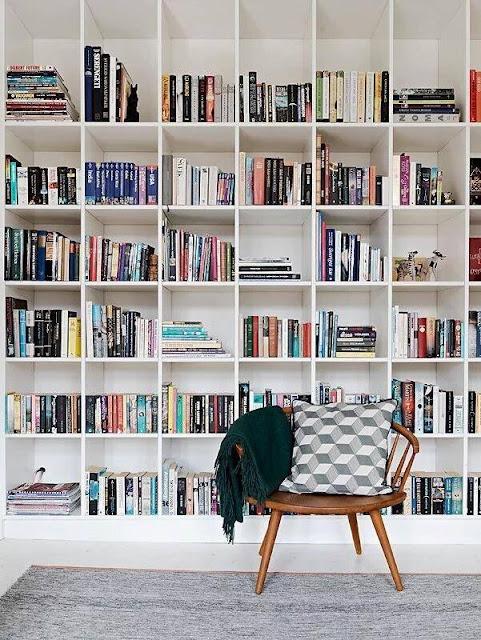 الوسيلة السابعة: تكوين مكتبة متنوعة في البيت
