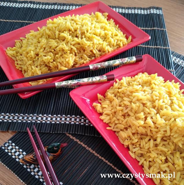 ryż barwiony na żółto kurkumą