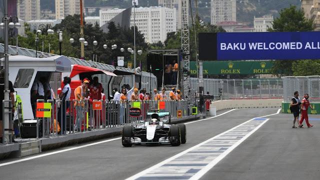 Latihan Bebas 2 GP F1 Sirkuit Baku : Mercedes Terdepan, Ferrari Bermasalah, Rio 18.