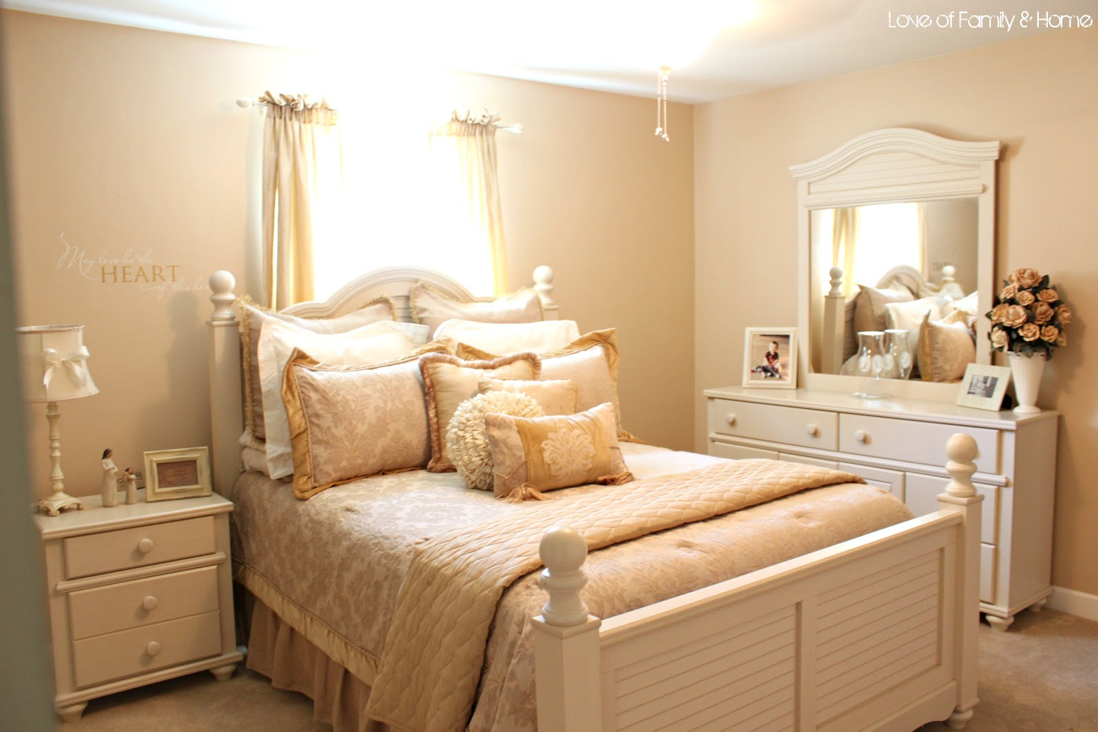 10 Cottage Style Bedrooms...Makeover Inspiration - Love of ... on Makeup Bedroom  id=21196
