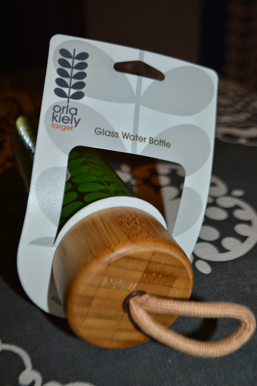 The Bamboo Gl Waterbottles Come In Grey Green And Rose Sixties Stem Print