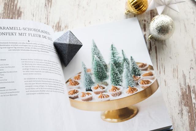 Konfekt Macadamia Sterne aus White Christmas Buchtipp Jules kleines Freudenhaus Hoelker Verlag