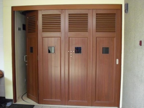 Interior Pintu Garasi Lipat