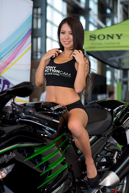 hot-motorcycle-models-sexy-promo-girls