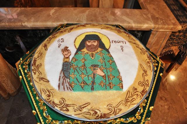 Την ιερή λάρνακα του Οσίου Γεωργίου Καρσλίδη υποδέχθηκαν πιστοί στον Άγιο Νικόλαο Δράμας (φωτο)