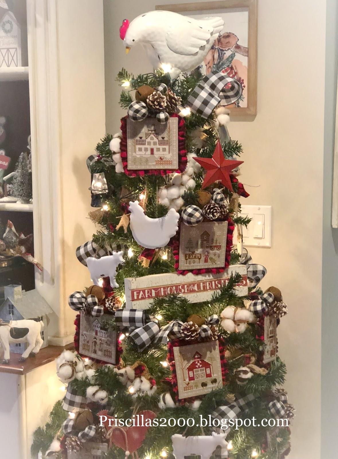 Priscillas Farmhouse Christmas Tree