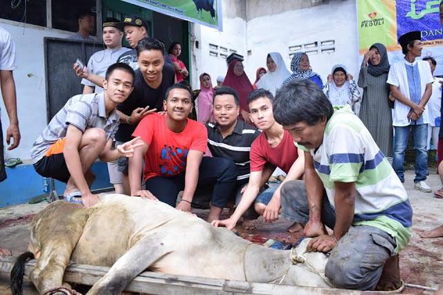 Rekor !! Panitia Masjid Muslimin Pantai Burung Potong 6 Lembu 4 Kambing Qurban