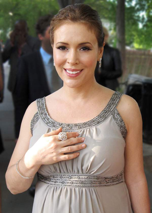 Alyssa Milano Without Makeup Imagespictures 2013  Hot -3797