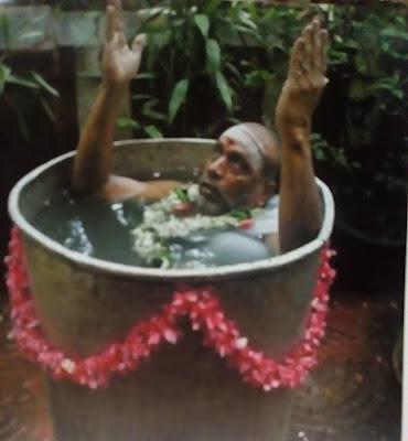 Gambar Ritual Unik Upacara Tradisional Varuna Yajna Di India Untuk Mendatangkan Hujan