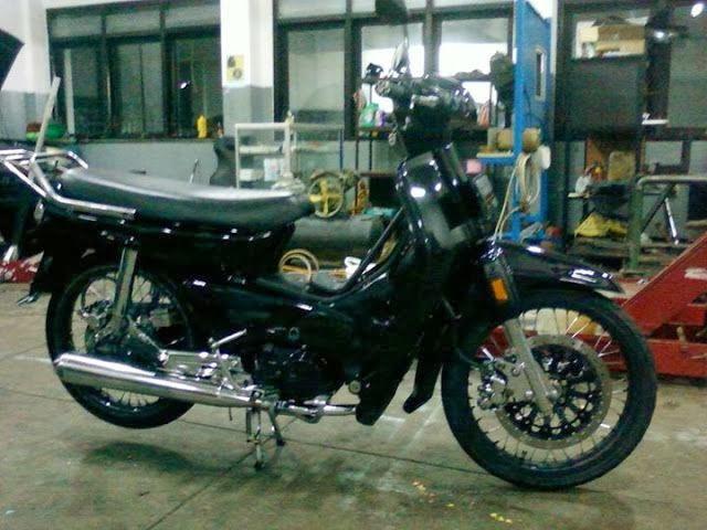 ... motor klasik dan terlihat baru. Ayo modifikasi motor legenda kamu
