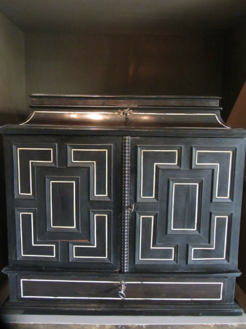 Wonderful flemish cabinet, 17th century, with lots of hidden compartments. Ebony, fruitwood and ivory via Antiek Amber (be) as seen on linenandlavender.net - http://www.linenandlavender.net/2013/07/source-sharing-more-to-love-from-antiek.html