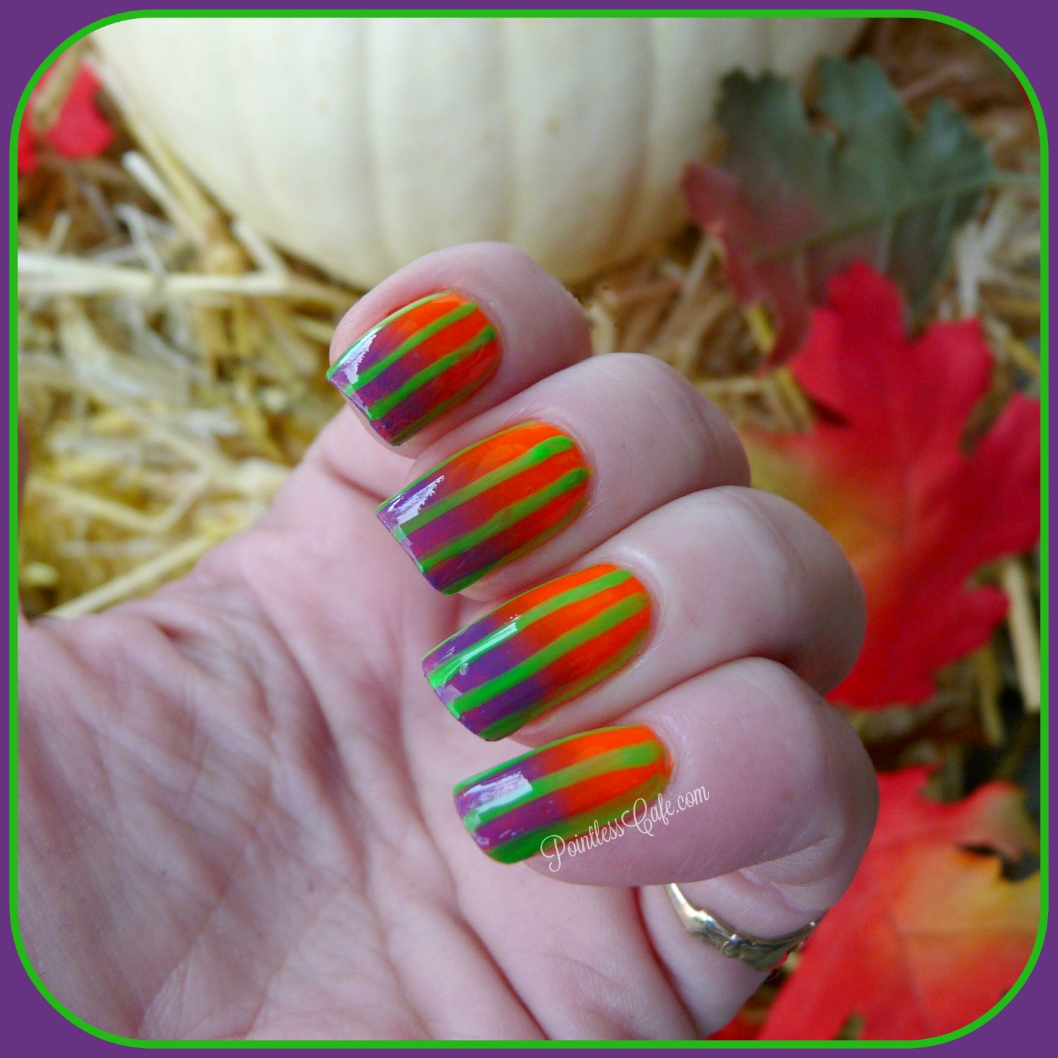 40 Great Nail Art Ideas: Halloween | Pointless Cafe