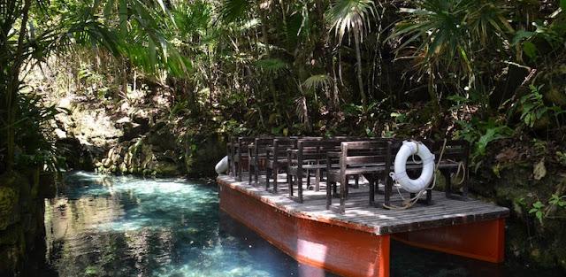Rios Subterrâneos no Parque Xcaret em Cancún