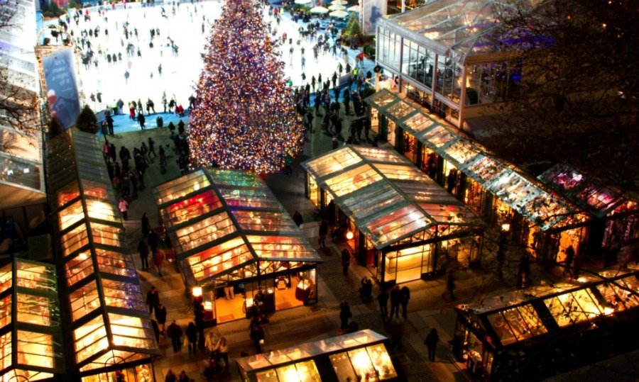 Christmas village in nyc newyorkio for Home holidays new york manhattan
