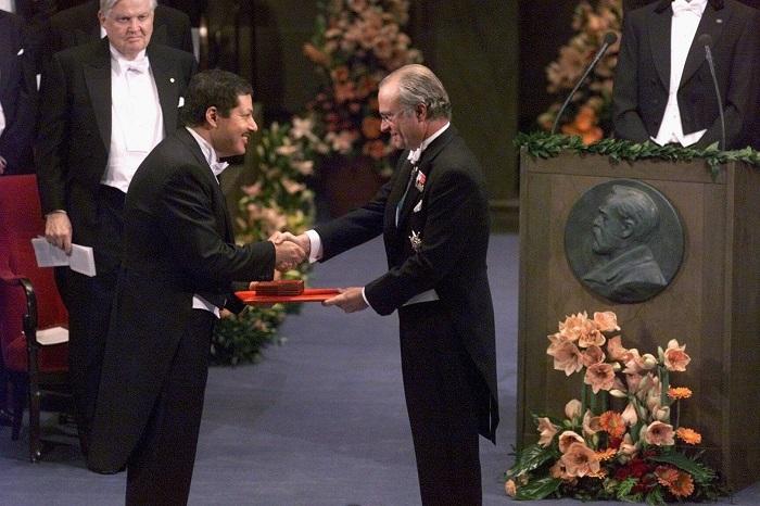 احمد زويل رحلة علم من مدارس الخكومة المجانية الى جائزة نوبل