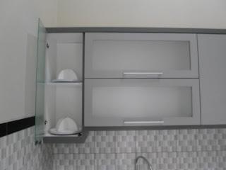 furniture semarang - kitchen set minimalis pintu kaca engsel hidrolis 03