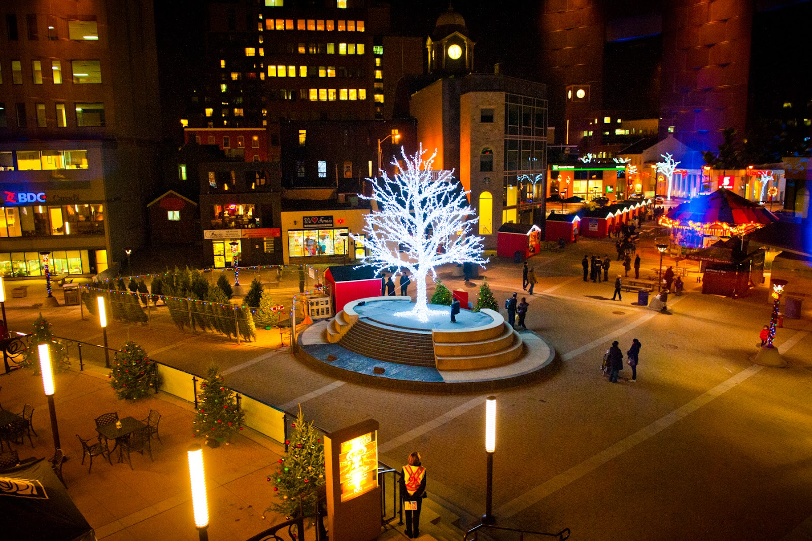 Did you get a chance to check out Downtown Br&ton this past weekend? It was lit and abuzz from the Tree Lighting Christmas Market and Santa Claus Parade! & Brampton Arts Notices: Winter kick offs in Downtown Brampton